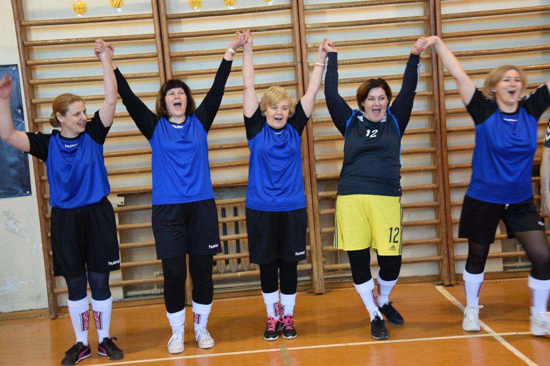 Močiučių futbolas populiarėja visoje Lietuvoje