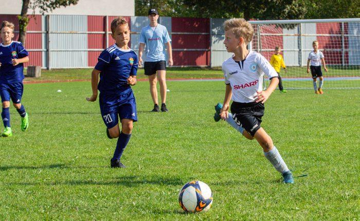 Naujus sporto metus Marijampolė pasitiko tarptautiniu vaikų futbolo turnyru